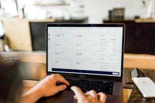 通过自定义网页设计促进您的业务